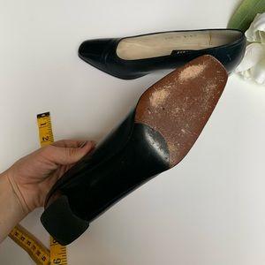 Stuart Weitzman Shoes - Stuart Weitzman   Vintage Dark Navy Blue Heels